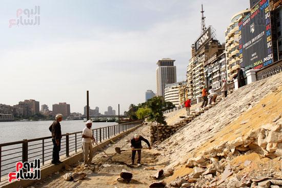 تواصل أعمال تطوير كورنيش النيل  (12)