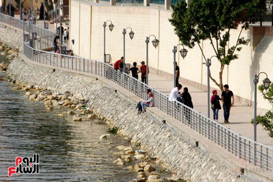 تواصل أعمال تطوير كورنيش النيل  (21)