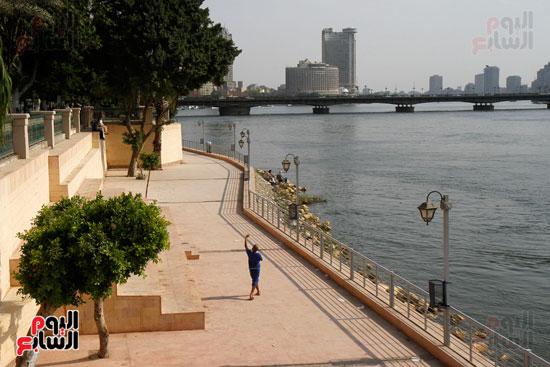 تواصل أعمال تطوير كورنيش النيل  (3)