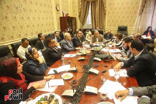 لجنة حقوق الإنسان (6)