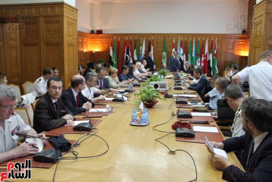 وفد فرنسى مع الأمين العام لجامعة الدول العربية (1)