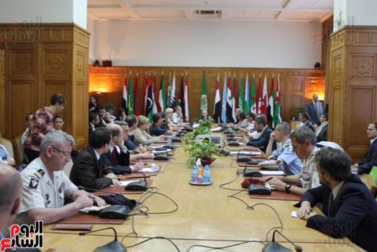 وفد فرنسى مع الأمين العام لجامعة الدول العربية (3)
