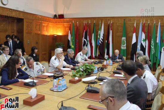 وفد فرنسى مع الأمين العام لجامعة الدول العربية (5)