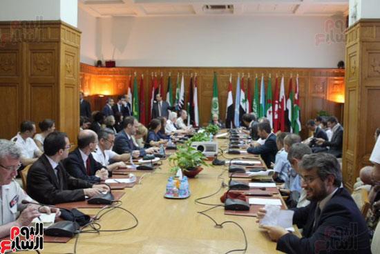 وفد فرنسى مع الأمين العام لجامعة الدول العربية (6)