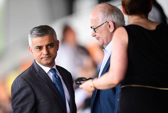 رئيس بلدية لندن المنتخب يشارك فى حفل ذكرى الهولوكوست صادق خان (4)