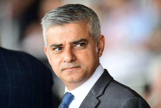 رئيس بلدية لندن المنتخب يشارك فى حفل ذكرى الهولوكوست صادق خان (7)