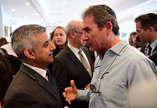 رئيس بلدية لندن المنتخب يشارك فى حفل ذكرى الهولوكوست صادق خان (8)