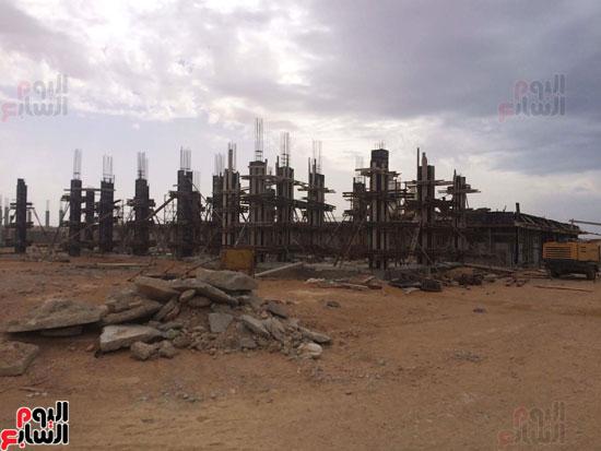 وفد وزارة الإسكان ورئيس مياه مطروح يتفقدان العمل بمواقع الشركة (11)
