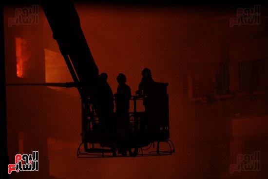 حريق العتبة (12)