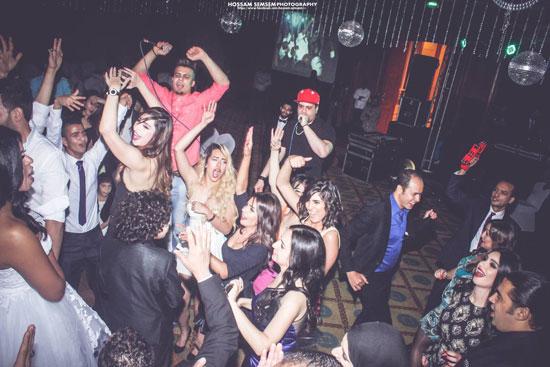 المطربة الشعبية بوسى وغاندى وصديقات ريهام عاصم يحييون حفل الزفاف -اليوم السابع -6 -2015