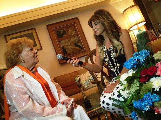 بوسى شلبى خلال حوارها مع النجمة الكبيرة نادية لطفى -اليوم السابع -6 -2015