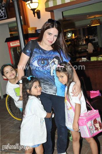 ميرنا وليد وابنتاها وصديقتها -اليوم السابع -6 -2015