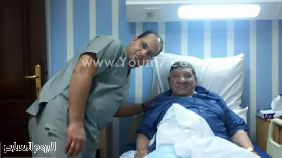 الإعلامى مفيد فوزى والدكتور محمد المعالج له بالمستشفى -اليوم السابع -6 -2015