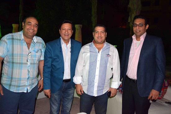 محمد الحلو مع أصدقائه -اليوم السابع -6 -2015