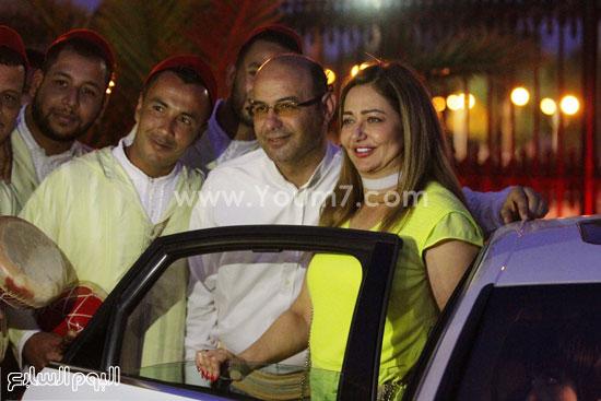 الجمهور الجزائرى يلتقط الصور مع ليلى علوى -اليوم السابع -6 -2015