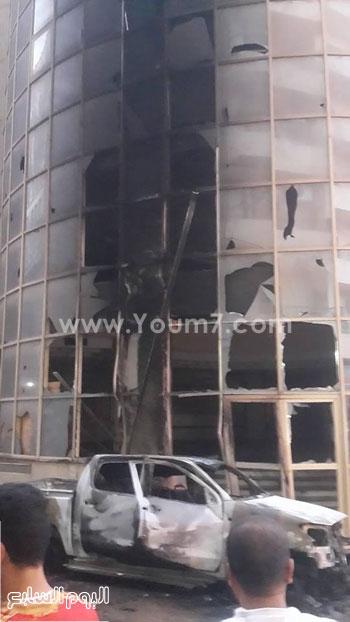 حريق سيارة أمام مبنى المصرية بلازا بالزقازيق -اليوم السابع -6 -2015