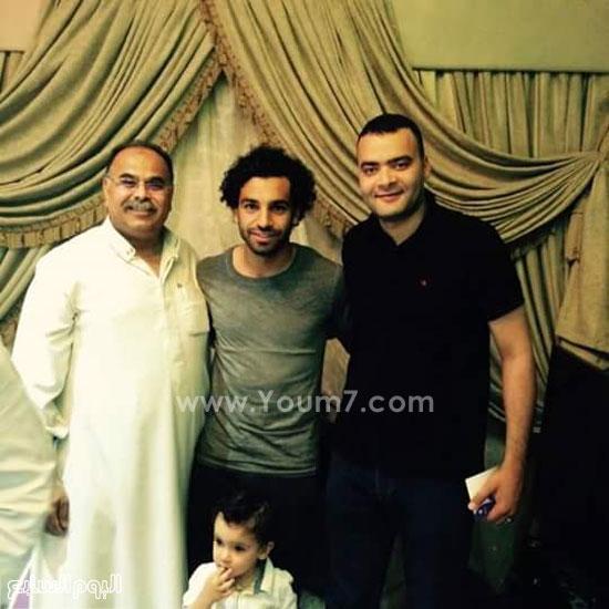 صورة تذكارية لمحمد صلاح من منزله بالغربية -اليوم السابع -6 -2015