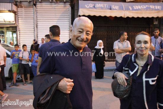 المخرج العالمى محمد الأخضر حمينا مع زوجته قبل عرض الفيلم  -اليوم السابع -6 -2015
