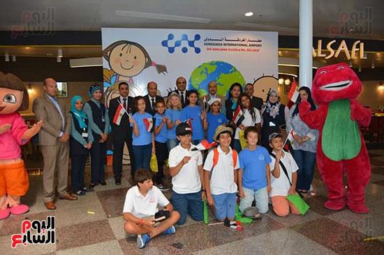 مطار الغردقة الدولى يحتفل باليوم العالمى للطفل (1)
