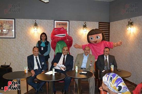 مطار الغردقة الدولى يحتفل باليوم العالمى للطفل (3)