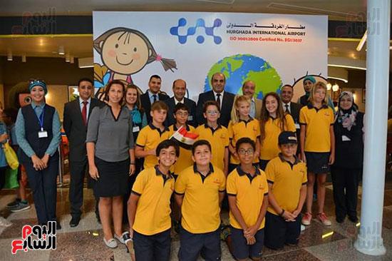 مطار الغردقة الدولى يحتفل باليوم العالمى للطفل (4)