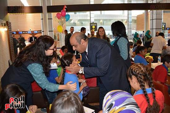 مطار الغردقة الدولى يحتفل باليوم العالمى للطفل (6)
