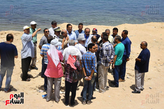 محمد عبد الظاهر محافظ الإسكندرية يتفقد أعمال تطوير منطقة بئر مسعود (2)