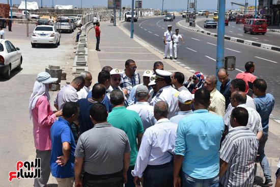 محمد عبد الظاهر محافظ الإسكندرية يتفقد أعمال تطوير منطقة بئر مسعود (10)