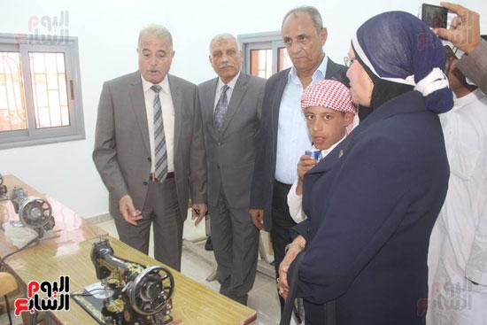 خالد فوده محافظ جنوب سيناء خلال الافتتاح (3)