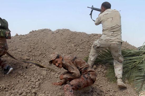 القوات العراقية تواجه مقاومة عنيفة فى معركة الفلوجة (10)