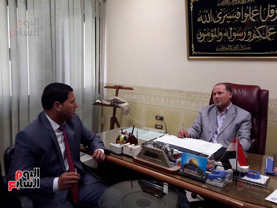 المهندس محمد عبد العليم السطوحى رئيس كهرباء البحيرة (2)