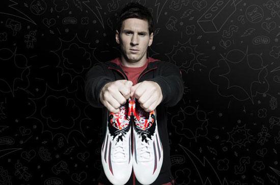 صورة-2--ميسى-وحذائه