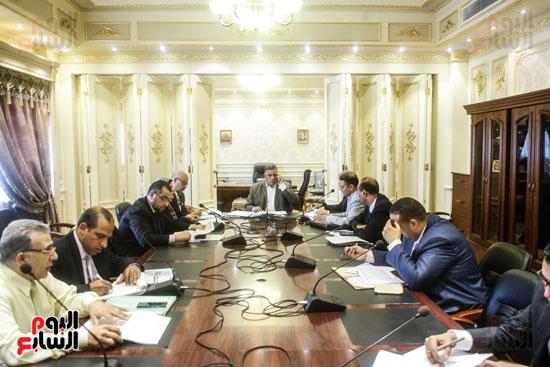 لجنة القوى العاملة (1)