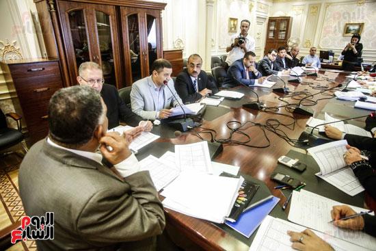لجنة القوى العاملة (4)