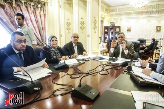 لجنة القوى العاملة (5)