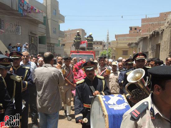 تشييع جثمان أمين شرطة بالدقهلية استشهد فى شمال سيناء (4)