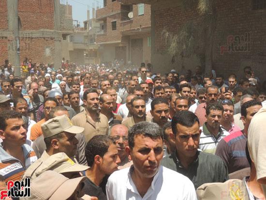 تشييع جثمان أمين شرطة بالدقهلية استشهد فى شمال سيناء (11)