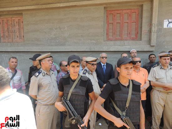 تشييع جثمان أمين شرطة بالدقهلية استشهد فى شمال سيناء (14)