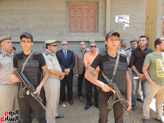 تشييع جثمان أمين شرطة بالدقهلية استشهد فى شمال سيناء (15)