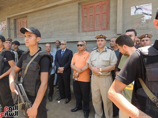 تشييع جثمان أمين شرطة بالدقهلية استشهد فى شمال سيناء (16)