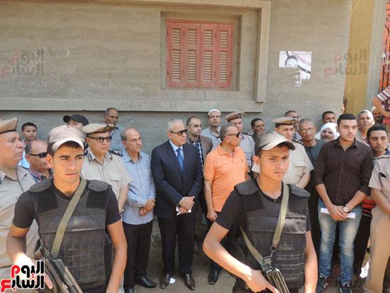 تشييع جثمان أمين شرطة بالدقهلية استشهد فى شمال سيناء (20)