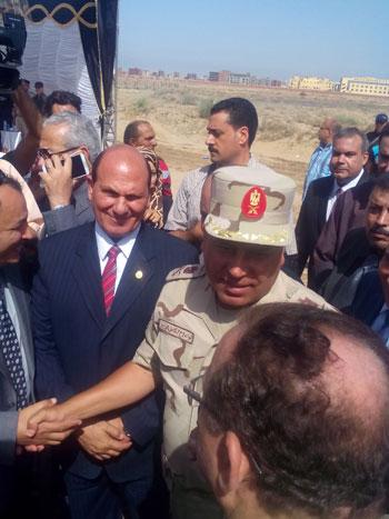 اللواء كامل الوزيرى رئيس الهيئة الهندسية للقوات المسلحة (2)