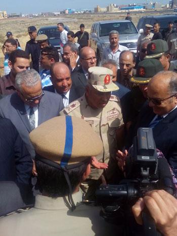 اللواء كامل الوزيرى رئيس الهيئة الهندسية للقوات المسلحة (3)