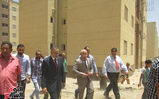 زيارة أحمد درويش نائب وزير السكان للمناطق العشوائية ببور سعيد (6)
