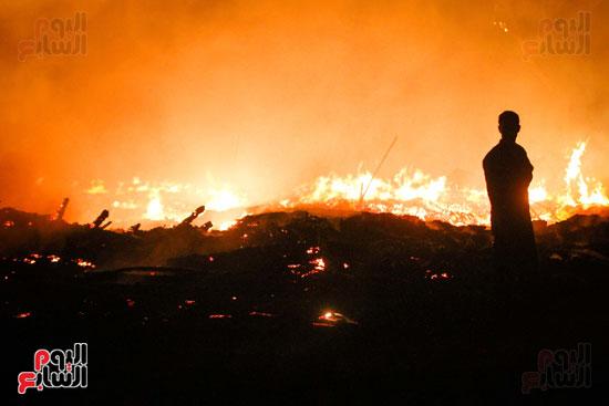 حريق  مدينة السينما بشارع الهرم (8)