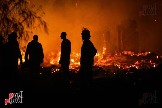 حريق  مدينة السينما بشارع الهرم (10)