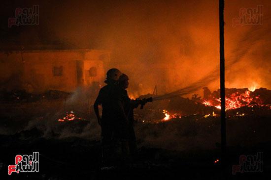 حريق  مدينة السينما بشارع الهرم (17)