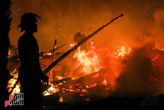 حريق  مدينة السينما بشارع الهرم (30)