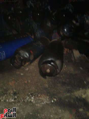 السيطرة على حريق مصنع الطوب بالبحيرة بعد انفجار عشرات اسطوانات الغاز (1)