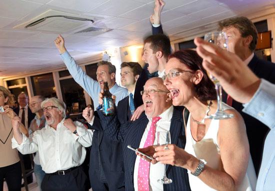 البريطانيون بين الحزن والسعادة بعد التصويت على الخروج من الاتحاد الأوروبى (1)